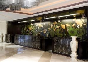 武汉青山区酒店前台荷花墙绘