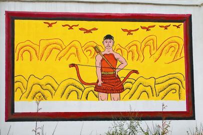 村小老师原创 6幅壁画再现火把节起源