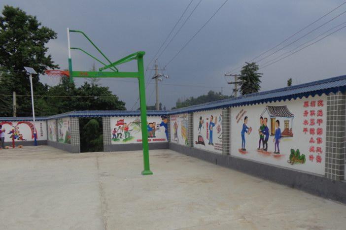 文化墙进村屯 传递社会正能量