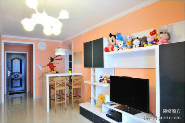 墙体绘画打造橙色童趣小屋